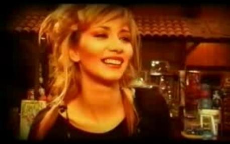 Най-зареждащата българска песен! Имахте ли и вие страхотен ден? Поздрав за всички (ВИДЕО)