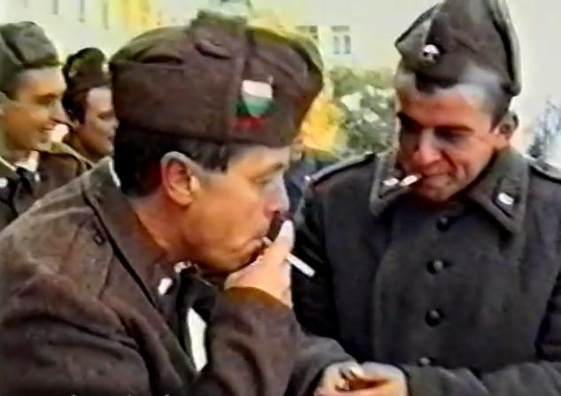 Спомен от казармата през социализма: Вижте Христо Кидиков в ролята на редник от БНА (ВИДЕО)
