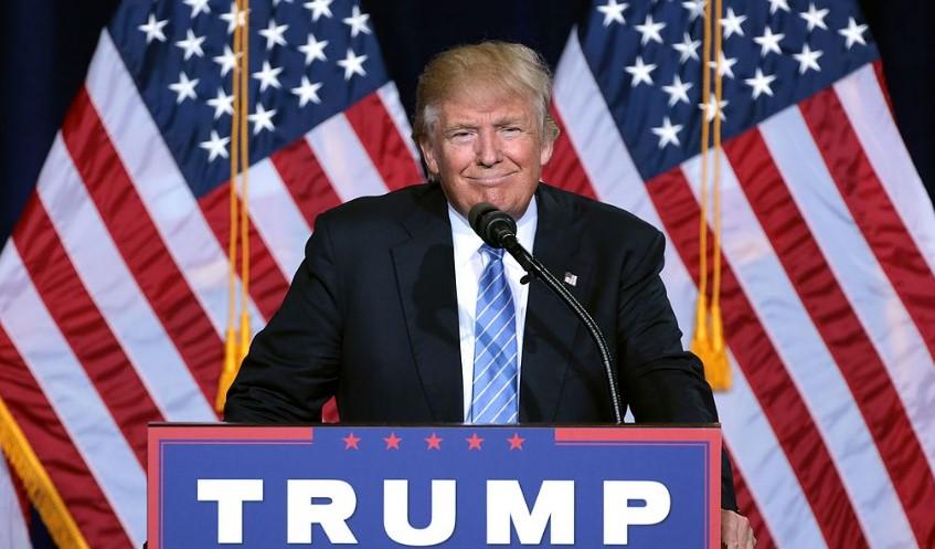 Доналд Тръмп гони чернокожи от Белия дом, доларът се срина след първите му решения