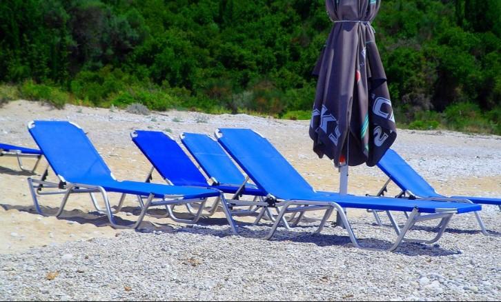 Евтиния ни очаква по морето това лято. Чадър и шезлонг за жълти стотинки в…