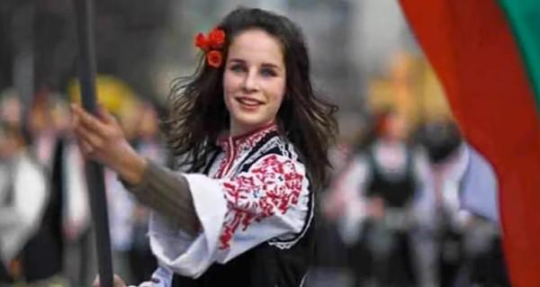 Прекрасно изпълнение! Нека се насладим на тази българска народна песен от Родопите (ВИДЕО)