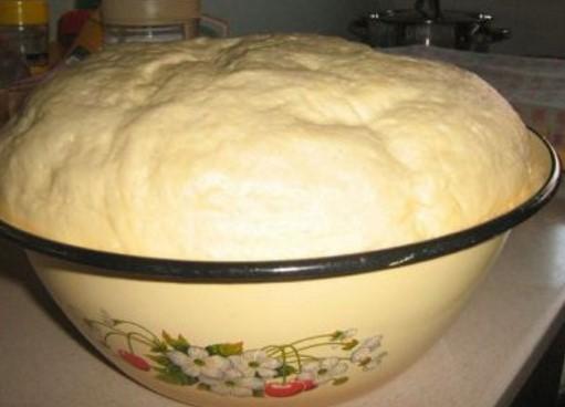 Гениална идея: Ето как да си направим лудо тесто, което може да се ползва няколко дни