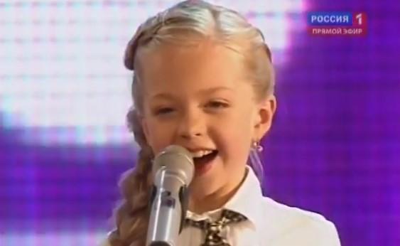 """Това 8-годишно момиченце направи нещо велико, след като изпя великолепно страхотна песен на """"Бийтълс"""" (ВИДЕО)"""