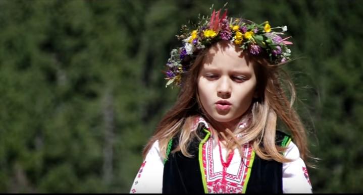 Талантливите деца са бъдещето на България! Чуйте уникалния глас на това 7-годишно момиченце (ВИДЕО)