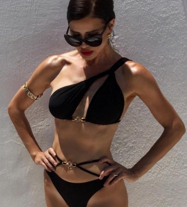 Баба ли? Тази сръбкиня подлуди мъжете по цял свят с горещото си тяло (СНИМКИ)