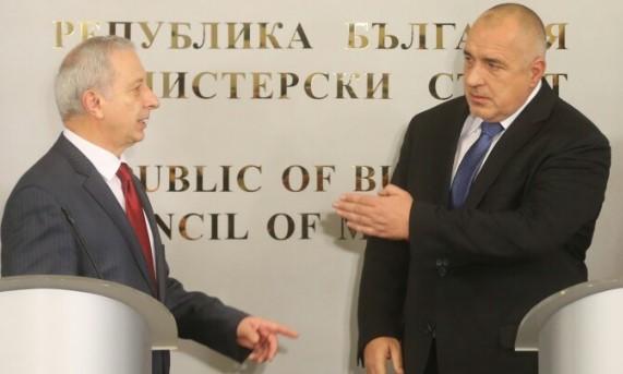 Докато дядо Бойко Борисов почива (СНИМКА), Герджиков му готви странно наследство. Оставя му папка, в която…