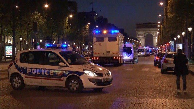 Кръв отново обля Париж! Джихадисти разстреляха полицаи, обявено е извънредно положение (ВИДЕО)