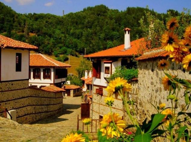 Златоград и вълшебството му. Вижте, посетете и се насладете на този неповторим град, съхранил българския фолклор и традиции (СНИМКИ + ВИДЕО)