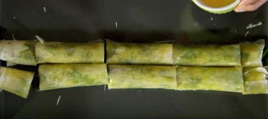 Тази баклава със спанак е адски вкусна! Прави се бързо и лесно и се изяжда за минути