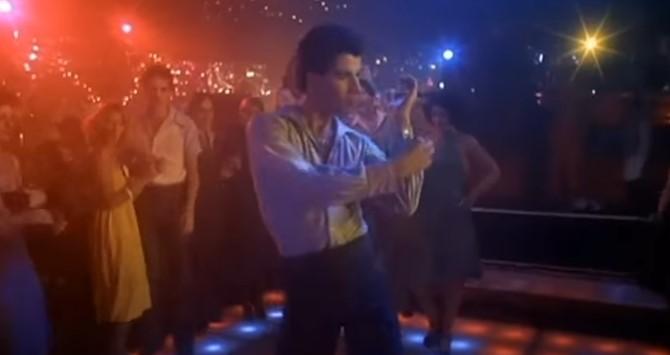 Тази диско песен е любима на 3 поколения! Всички танцувахме на нея! Помните ли я? (ВИДЕО)