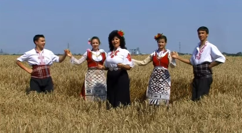 Да живеят българският фолклор и българските традиции! (ВИДЕО)
