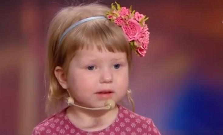 Ще паднете, когато видите това 2-годишно украинче какви неща може! То успя да каже всички столици в света (ВИДЕО)