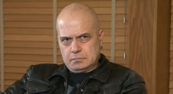Забиха нож в гърба на Слави Трифонов. Последната надежда на шоумена угасна, ето какво му съобщиха