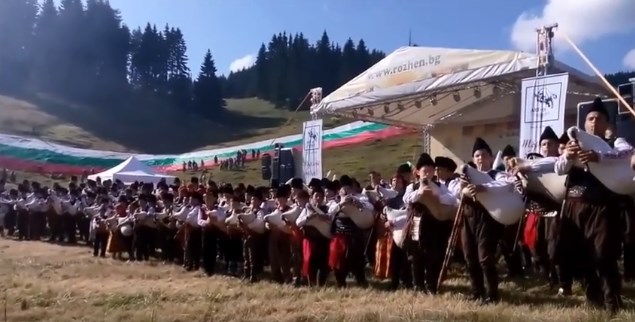 Изпълнението на  Роженските гайдари изуми и развълнува цяла България! Насладете се на извънземния звук (ВИДЕО)