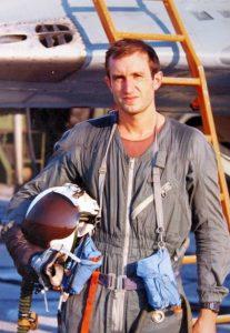 Преди да стане генерал и президент! Вижте къде Румен Радев беше младши пилот (УНИКАЛНА СНИМКА)
