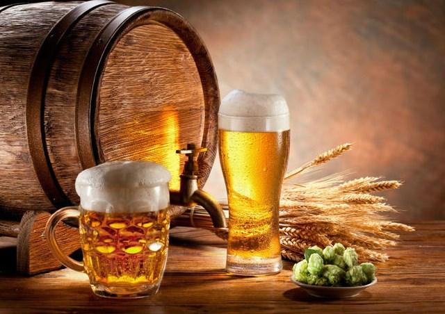 Обичате да пийвате бира по всяко време на деня? Ето пет лечебни свойства на пенливата течност