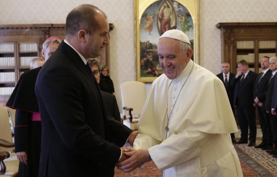 Папа Франциск прие президента Румен Радев във Ватикана