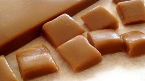 Обожавахме ги, но вече не ги продават! Направете си любимите бонбони от миналото Карамел – му много лесно у дома