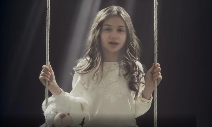 Крисия обмисля да се откаже окончателно от пеенето и от договора си със Слави Трифонов?