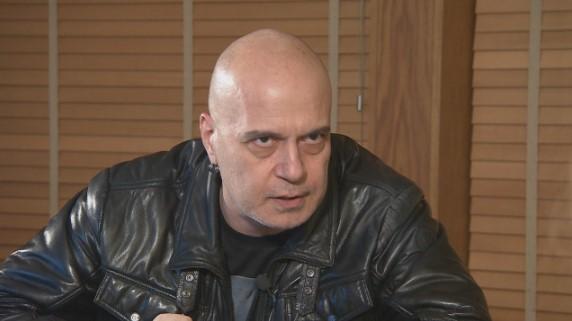 Депутатите се изгавриха със Слави Трифонов. Дългия: Ще има възмездие! Това е държавен преврат