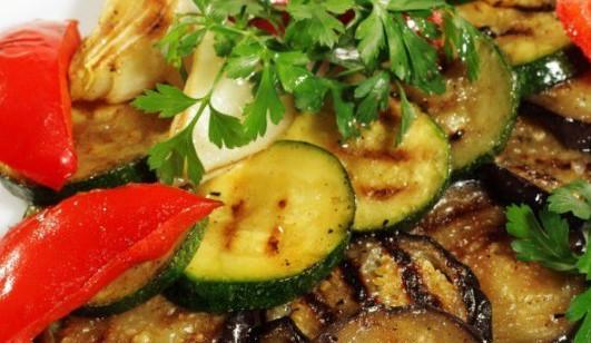 Как да си мариновате зеленчуците за скара, за да станат като от ресторант – измъкнах рецептата от стар кръчмар