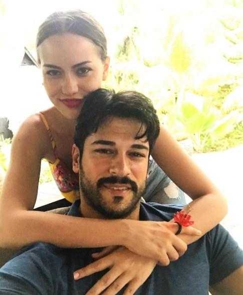 """Помните ли Неджля от """"Листопад""""? Турската хубавици порази феновете си с тези СНИМКИ"""