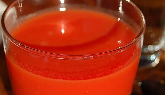 Освен предпочитано мезе за водката, доматеният сок се оказва с редица лечебни и профилактични свойства