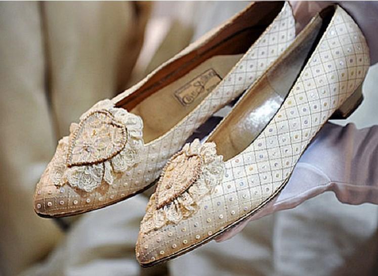 На сватбените обувки на принцеса Даяна е имало тайно послание (СНИМКИ)