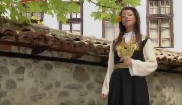 """Казваме ви """"Наздраве"""" с тази българска народна песен! Нека се насладим на богатия български фолклор! (ВИДЕО)"""