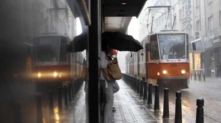Бурята Себастиан стига и до България: Синоптична прогноза до края на септември посочи в кой ден точно ще свърши лятото (ТАБЛИЦА)