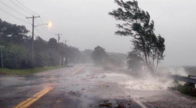 Доц. Георги Рачев: 19 урагана ни връхлитат до края на октомври. Лятото беше дълго и топло, но си отива, няма как