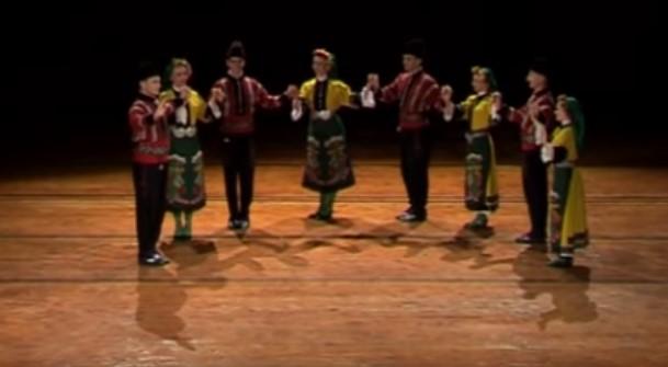 Тракийската ръченица няма равна! Вижте това страхотно фолклорно представление! (ВИДЕО)