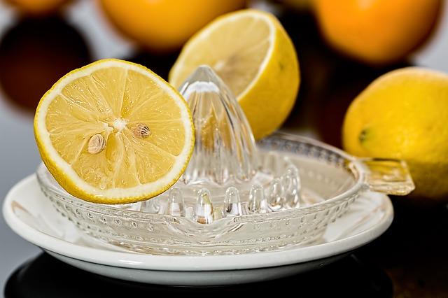 Истината за витамин С: Панацея или просто мода в медицината?