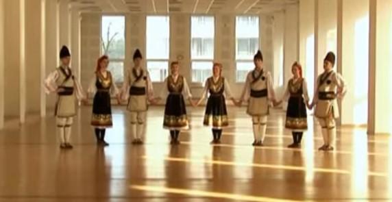 """""""Петрунино хоро"""" – танц, който пълни душата! Вижте това прекрасно българско хоро (ВИДЕО)"""
