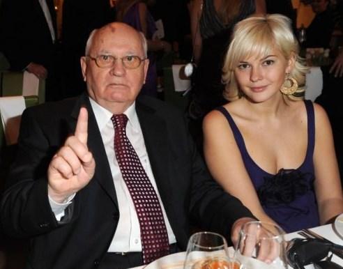 Помните ли Михаил Горбачов? Вижте как изглеждат и с какво се занимават внучките на човека, който промени света