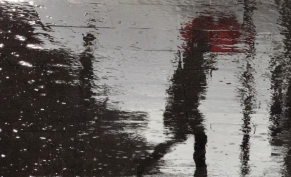 Дежурният синоптик на НИМХ към БАН Красимир Стоев попари надеждите ни за хубаво време: Не забравяйте чадъра