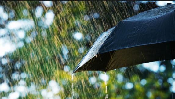 Дежурният синоптик Анна Дякова: Дъжд и сняг днес, не забравяйте чадърите. Има и хубава новина за уикенда