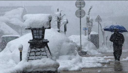 Рухнаха надеждите за топъл и сух декември. Синоптици вещаят много сняг: Подробна прогноза за месеца