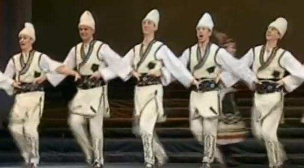 """Това е България! Нека се насладим на откъс от прекрасния спектакъл на ансамбъл """"Българе"""" (ВИДЕО)"""