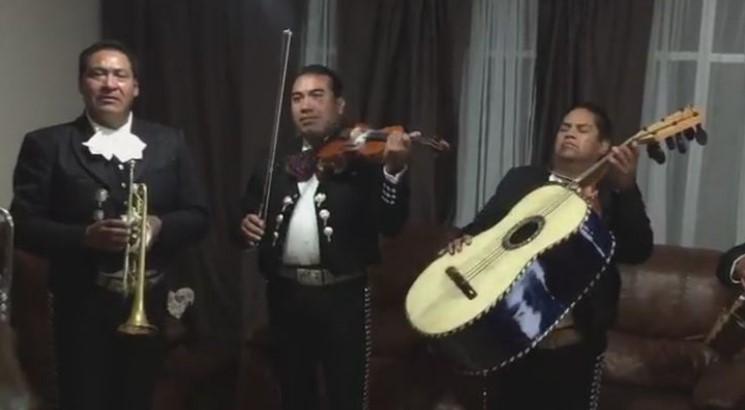 """Пълен фурор! Мексикански мариачи покориха нета с изпълнението си на песента """"Шушана""""! (ВИДЕО)"""