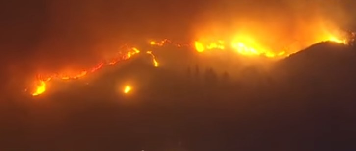 Адът пристигна в Лос Анджелис! Дъщерята на Лияна Панделиева: Ще изгорим живи (ВИДЕО)