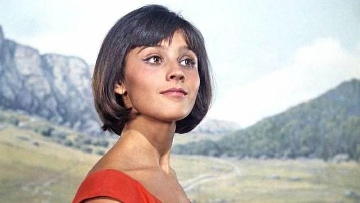 """Помните ли прелестната Нина от култовия филм """"Кавказка пленница""""? Продължава да е възхитителна дори на 70 години (СНИМКА + ВИДЕО)"""
