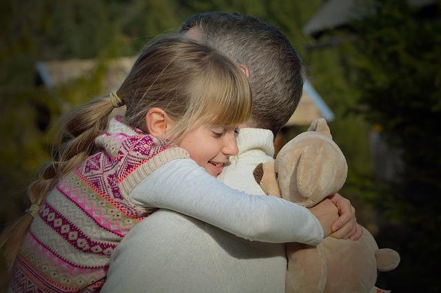 """Писмото на един баща към дъщеря му: """"Никой не ти дължи нищо"""""""