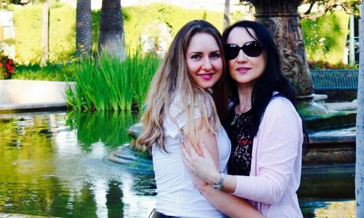 Бившата жена на премиера Борисов прави фурор в САЩ: Стела Костова получи огромно признание в Калифорния