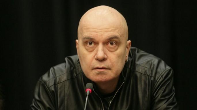 Слави Трифонов унищожи Корнелия Нинова: Откога бе, како, приемаш референдума за някаква форма на демокрация?