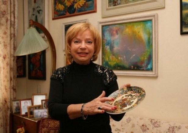 Помните ли красивата телевизионна водеща Мария Янакиева? Ето как изглежда и на какво се радва днес (СНИМКА)