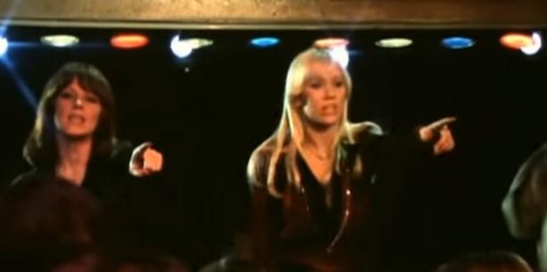 """""""Танцуващата кралица"""" е вечна песен. Нека си припомним неповторимото изпълнение на ABBA (ВИДЕО)"""