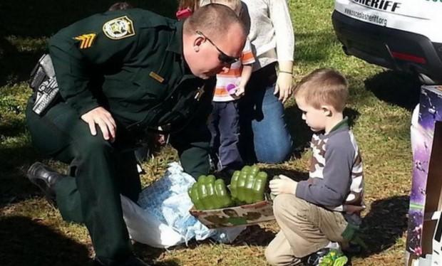 Никой не отишъл на рождения ден на това дете с аутизъм. Това, което се случи след това, изуми всички (СНИМКИ)