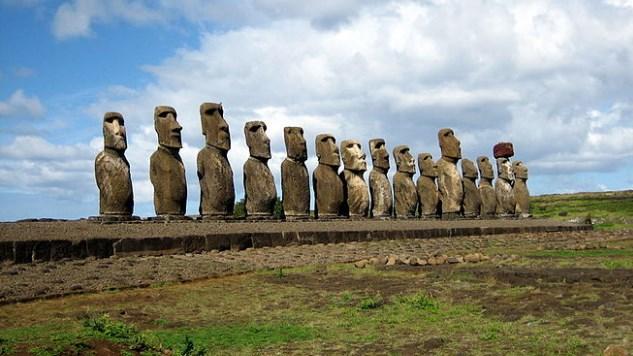Една от най-големите загадки на човечеството е на път да изчезне, без да бъде разрешена. Каква ще е съдбата на статуите на Великденските острови?