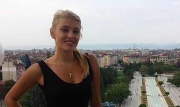 """Горещата репортерка на """"Господари на ефира"""" Ева Веселинова ще ви просълзи с думите си (СНИМКА)"""